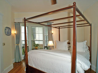 Captain's Quarters Guest Room